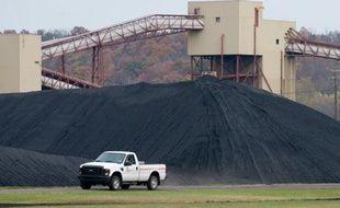Le charbon, première source d'énergie électrique aux Etats-Unis, a perdu du terrain depuis le boom du gaz de schiste mais devrait rester crucial pour le pays malgré l'extrême pollution qu'il engendre.