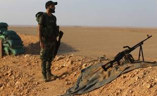 Soldat irakien à la frontrière avec la Syrie près de la ville de Deir Ezzor