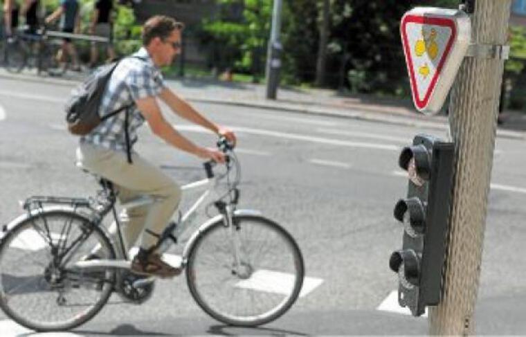 Cinq carrefours offrent, depuis 2008, la possibilité de tourner à droite quand le feu est rouge.