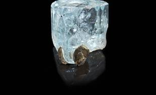 Topaze bleue, environ 250 millions d'années