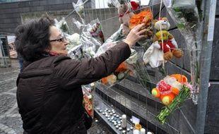 Meilleur contrôle des récidivistes et lutte contre le trafic d'armes: les responsables belges avançaient jeudi de premières pistes de réformes, deux jours après la tuerie de Liège, tout en disant ne pas vouloir légiférer sous le coup de l'émotion.