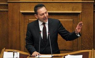 La Grèce prépare son retour sur les marchés d'emprunt à long ou moyen terme au deuxième semestre 2014, a affirmé dimanche son ministre des Finances, Yannis Stournaras, qui a cependant posé des conditions concernant la situation budgétaire et la croissance.