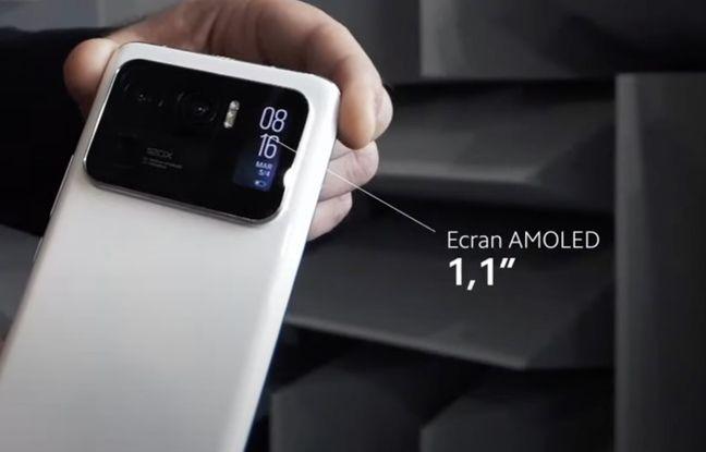The tiny rear screen of Xiaomi's Mi 11 Ultra.