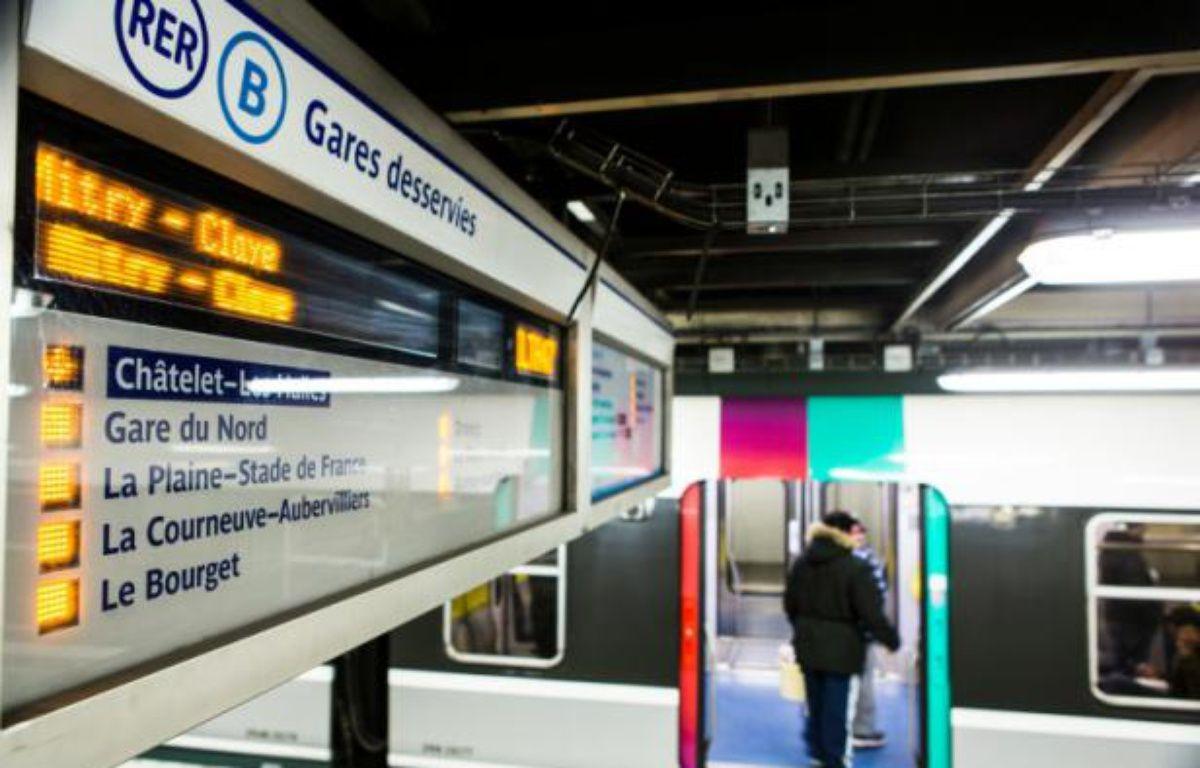 Quai du RER B à Chatelet-Les Halles à Paris, le 8 mars 2016 – Geoffroy Van der Hasselt AFP