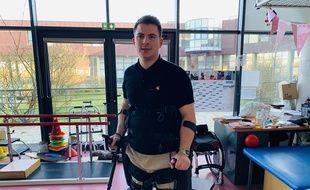 Anthony équipé de son exosquelette va participer au semi-marathon de Paris.