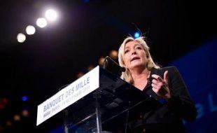 La présidente du Front national, Marine Le Pen, a annoncé mardi avoir écrit à François Fillon pour lui demander l'anonymat des élus qui parrainent un candidat à la présidentielle, lors d'un point-presse au Salon des maires, où elle n'a pas effectué de visite.
