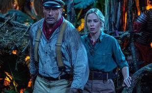 Les stars Dwayne Johnson et Emily Blunt dans Jungle Cruise