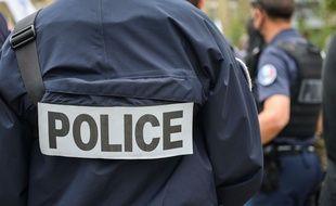 Des policiers se sont rassemblés devant la préfecture de police de Paris, le 17 juin.