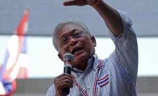 Des manifestants en Thaïlande ont poursuivi leur mouvement lundi en promettant de faire tomber le gouvernement, au lendemain de législatives en partie boycottées et qui ont provoqué une mise en garde des Etats-Unis contre un éventuel coup d'Etat.