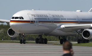 L'avion du gouvernement allemand sur la base aérienne de Bagotville au Canada, le 8 juin 2018.