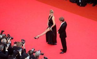 L'actrice française Vahina Giocante aime se mettre en scène, son compagnon (le designer Ora-Ito) aussi.