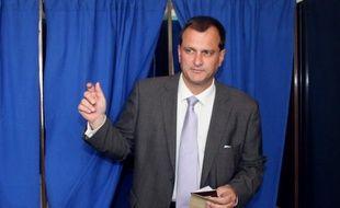 """Le Front national a salué vendredi l'""""avancée certaine"""" que constituerait le """"parrainage citoyen"""" des candidats à l'élection présidentielle, proposé par la commission Jospin, tout en réclamant que ce parrainage soit tenu secret."""