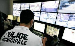 Le centre de supervision niçois centralise les images de centaines de caméras.
