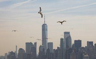 La skyline de Manhattan dans un nuage de pollution (image d'illustration).