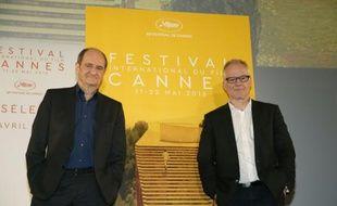 Le délégué général du Festival de Cannes Thierry Fremaux (D) et le président Pierre Lescure (G), au terme de la conférence de presse de présentation de la sélection du 69e festival de Cannes