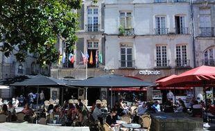 Terrasses de café place du pilori à Nantes (illustration avant la crise du coronavirus).