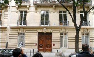 Les poursuites judiciaires contre Dominique de Villepin dans l'affaire Clearstream semblent désormais inévitables après une expertise accablante de l'ordinateur du général Philippe Rondot, suivie jeudi d'une perquisition au domicile de l'ancien chef du gouvernement.