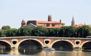 Vue de la Garonne et du Pont Neuf depuis le pont St Michel.