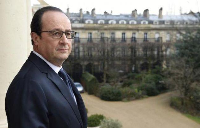 Fran & # XE7; ois Hollande in the balcony of the Elys & # XE9 e 24 f & # XE9; February 2015