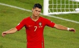 L'élimination du Portugal en quart de finale de l'Euro-2008, jeudi, a clos sur une note mitigée la saison exceptionnelle de Cristiano Ronaldo mais le prodige lusitanien avait peut-être déjà la tête ailleurs, et au Real Madrid, auquel il a déclaré sa flamme juste après la défaite.