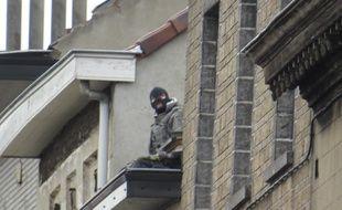 Une opération de grande envergure pour arrêter Salah Abdeslam à Molenbeek.
