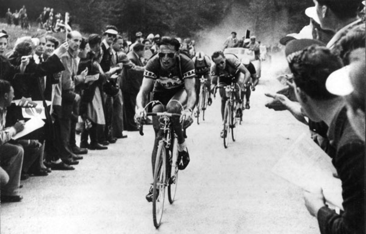 Kübler sur le Tour de Suisse en 1951.  – ECLAIR MONDIAL/SIPA
