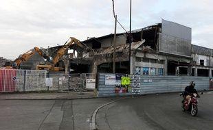 La Fabrique de glace en cours de démolition sur l'île de Nantes.