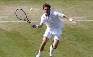 Nicolas Mahut lors de son match marathon face à John Isner, à Wimbledon, le 23 juin 2010.