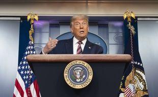 La diffusion de l'intervention de Donald Trump depuis la salle de presse de la Maison blanche a été coupée par les chaînes de télés en raison de ses accusations de fraudes, infondées pour l'instant.
