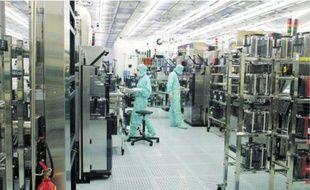 L'usine Atmel està vendre. La visite d'investisseurs asiatiques est évoquée.