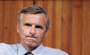 Le trésorier de l'UMP et député de Savoie Dominique Dord, candidat à la présidence du parti, a une nouvelle fois dénoncé jeudi l'organisation de ce scrutin, en particulier la répartition des bureaux de vote.
