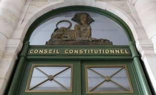 Le Conseil constitutionnel a décidé mardi de ne pas changer les règles de l'élection présidentielle à deux mois du scrutin, déboutant la candidate du Front national Marine Le Pen de sa demande de rétablir l'anonymat des 500 parrainages d'élus nécessaires pour concourir.