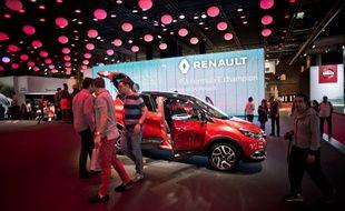 Le stand du constructeur Renault lors du Mondial de l'Automobile de Paris le 1er octobre 2016