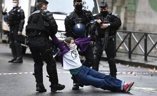 Une militante d'Extinction Rebellion, le 13 octobre 2020.
