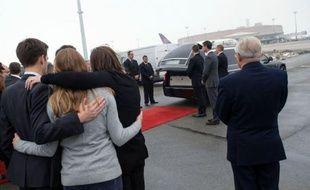 Le corps de Yann Desjeux, l'otage français tué lors de l'assaut par l'armée algérienne pour libérer les personnes retenues sur un site gazier du Sahara, est arrivé jeudi matin à l'aéroport de Roissy-Charles de Gaulle.