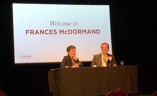 Frances McDormand et le journaliste Didier Allouch au Festival Lumière