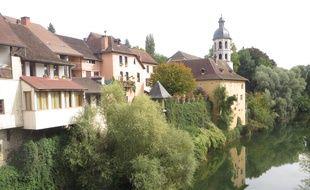 A Pont-de-Beauvoisin, les habitants n'arrivent toujours pas à comprendre ce qui s'est passé, un mois après la disparition de Maëlys.