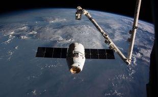 La capsule de Space X Dragon lors de son arrivée aux abords de l'ISS le 19 février dernier.