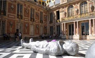 Exposition de Xavier Veilhan au château de Versailles, du 13 septembre au 13 décembre 2009.