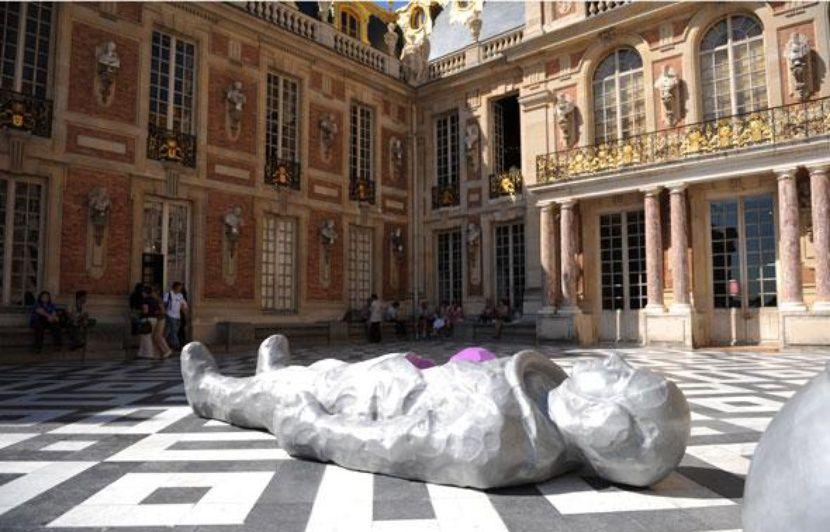 830x532_exposition-xavier-veilhan-chateau-versailles-13-septembre-13-decembre-2009.jpg