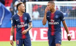 Neymar et Mbappé lors de PSG-Angers, le 25 août 2018.