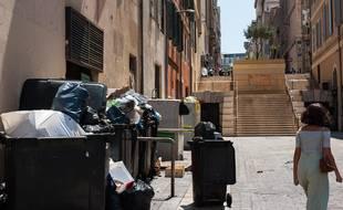Des poubelles à Marseille.
