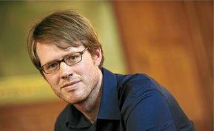 Eric Puchner est l'auteur de Famille modèle paru chez Albin Michel.