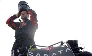 Après avoir traversé la Manche sur son Flyboard, Franky Zapata planche sur un projet de voiture volante.