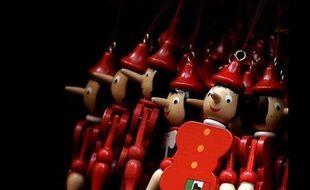 Les prix Pinocchio 2012, épinglant des entreprises pour des pratiques néfastes à l'environnement, ont été décernés mardi à un producteur d'agrocarburants, à un projet de recherche de lithium en Argentine et au groupe Areva pour l'impact des mines d'uranium en Afrique.