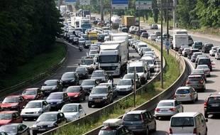 Embouteillages près de Lyon en juillet 2010.