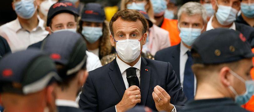 Emmanuel Macron a de nouveau défendu ses réformes et le plan de relance dans l'usine Caf de Bagnères-de-Bigorre.
