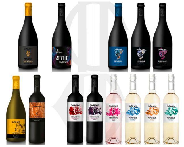 Les vins de Christophe Urios avec ses bouteilles si particulières.