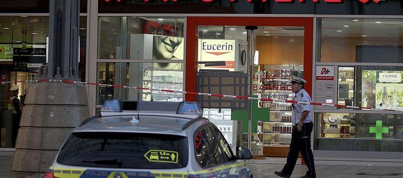 La pharmacie où a eu lieu la prise d'otage lundi à Cologne.