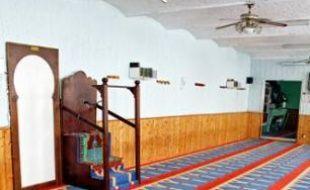 La salle de prières à Fives.